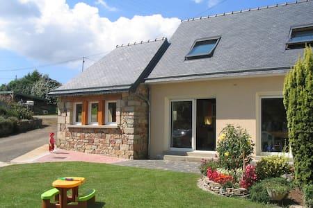 Maison en Presqu'île en Crozon - Hus