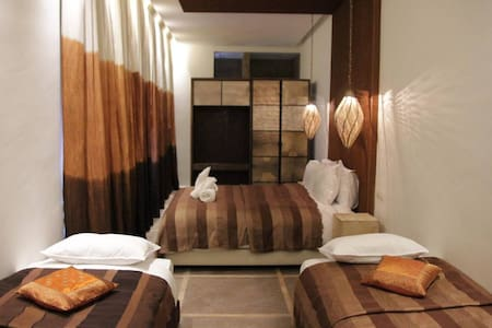 Room type: Private room Property type: Other Accommodates: 8 Bedrooms: 1 Bathrooms: 6