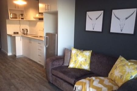 Stylish Beach loctaion apartment - Kaapstad - Appartement
