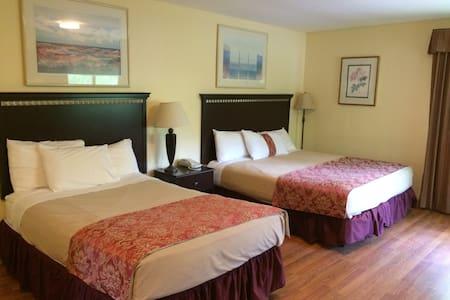 Lodge with Private Guest Room - Oda + Kahvaltı