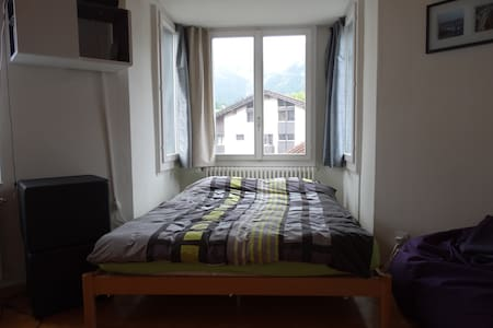 Schlafen mit Bergpanorama, zentral - Apartment