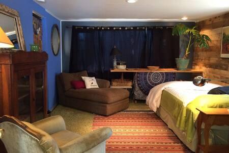 Woodstock Mountaintop Dreamy Double - Woodstock - Bed & Breakfast