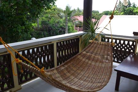 Silong: Serene Tagaytay Home - Alfonso - Ev