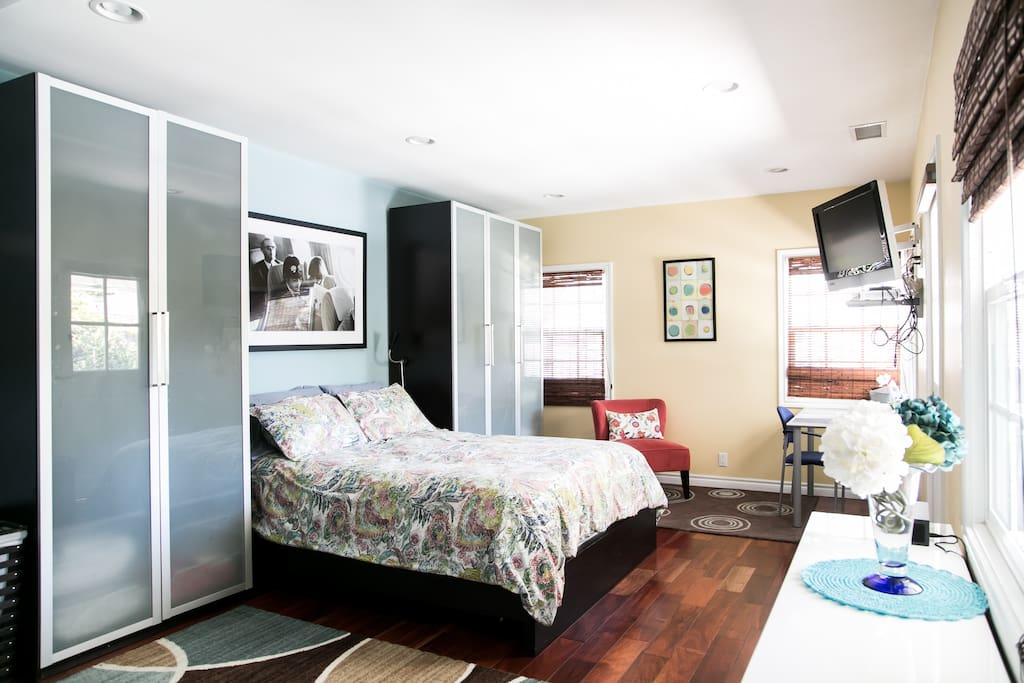 Queen bed with high quality linens and ample closet and drawer space.