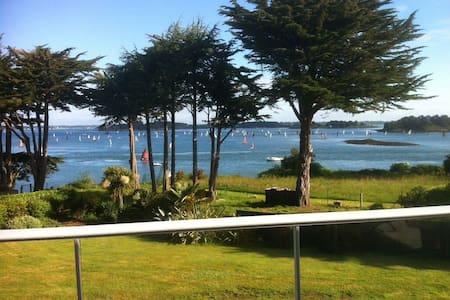 Le Logeo avec vue panoramique - Sarzeau - Bed & Breakfast