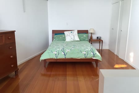 Great, spacious, modern loft - Saint Kilda