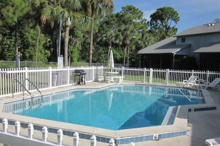 Your SW Florida home with Pool - North Fort Myers - Dům