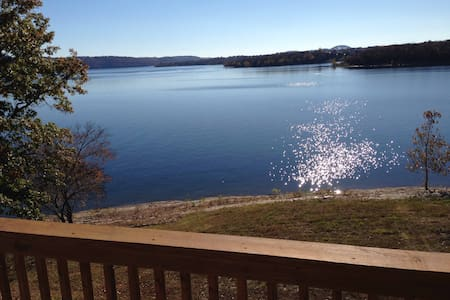Waterfront Condo; Best View on Lake - Apartment