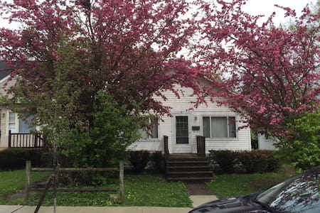 Small bungalow near Earlham campus. - Richmond - Haus