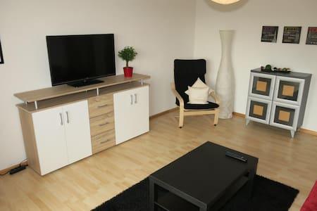 Neu und modern eingerichtete Ferienwohnung (86qm) - Lejlighed
