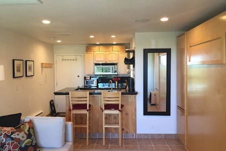 Awesome Studio @ Base of Ski Hill; Easily Sleeps 4 - Truckee