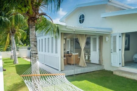 3 bedroom villa with pool, great for families - Clinketts