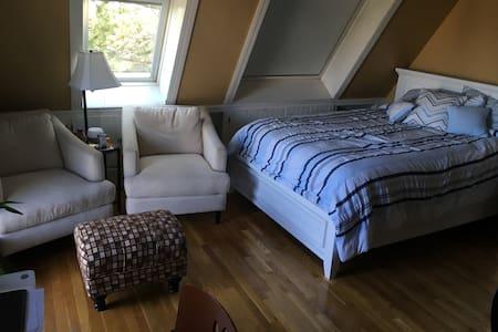 Plum Island Master Bedroom, Hot Tub - House