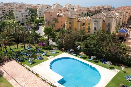 Spacious apartment with sea view - Marbella - Apartment