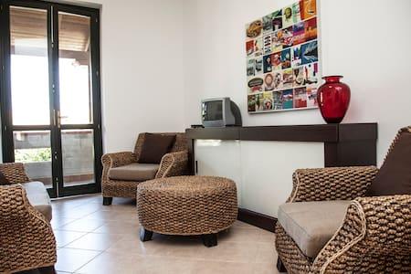 Borgomare appartamento con terrazzo - Casa a schiera
