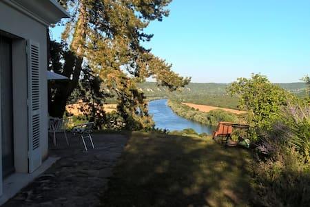 Chambre d'hôtes des crêtes - La Roche-Guyon - Aamiaismajoitus