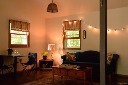 Cozy Cabin in Big Bay by Lake Independence - Marquette County