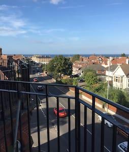 Spacious apartment - with sea views - Cromer