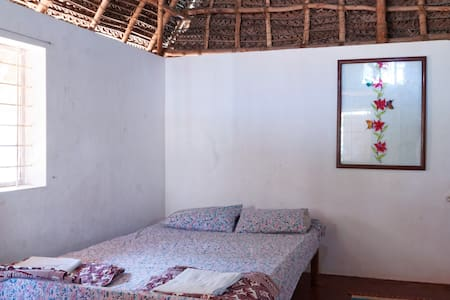 Beachside family room with toilet - Narmatha - Bommayapalayam