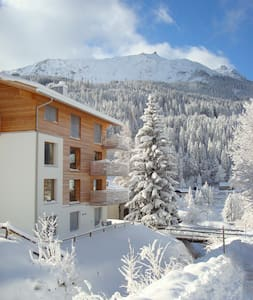 Exclusive Klosters apartment with 3 bedrooms/pool - Apartamento