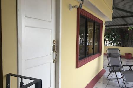 Departamento cerca de lugares turísticos - Guayaquil - Apartament