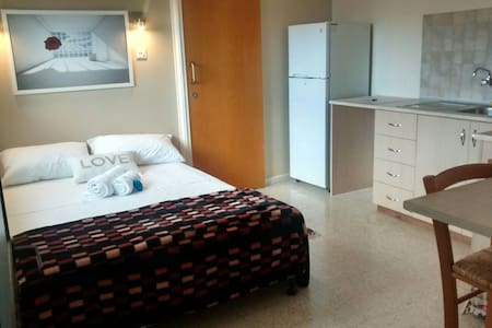 5 minutes from the beach studio - Wohnung