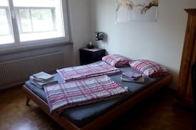 Picture of room in quiet area close to city (10 min.busride)