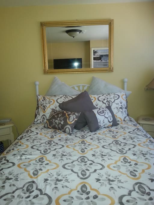 Room 102 Double bed with Antique White Iron Frame