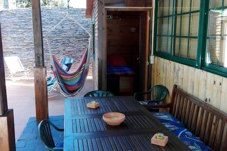 Cabaña de madera en playa Cabio - A Pobra do Caramiñal