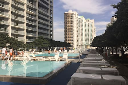 Brickell Icon large  1/1 floor 36
