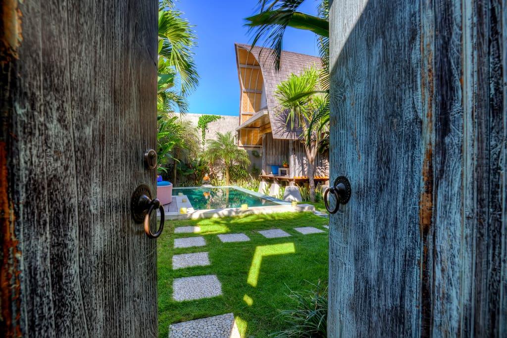 Welcome to Villa Atlantis!