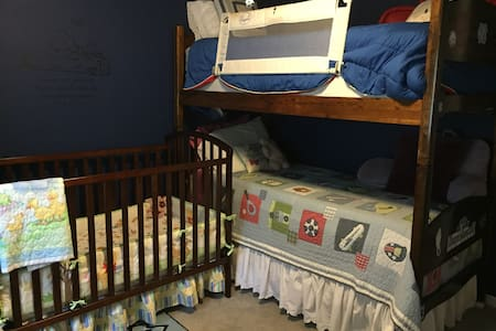 Children's room in child-friendly country home - Lexington