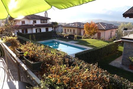 Villa Aurora with Depandance - Colico