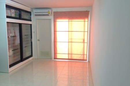 ห้องขนาดกระทัดรัดกลางแห่งใจกลางอมตะ - Apartment