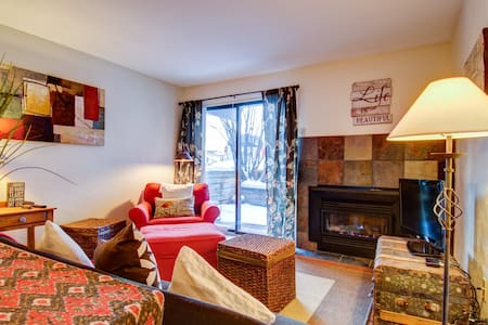Cozy Condo Steps from Beaver Creek Ski Resort - Avon - Appartement en résidence
