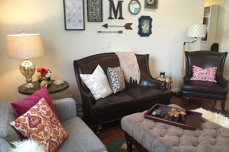 Cozy & Clean - Close to Universal! - Apartment