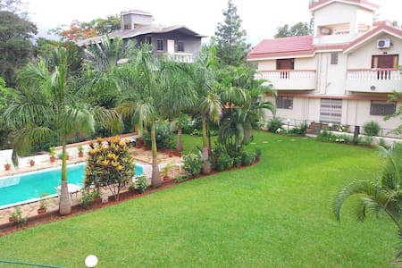 Group Holiday @5BHK Samrat Lonavala - Lonavala - Bungalow