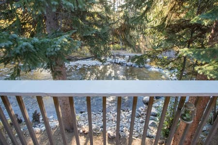 Ten Mile Creek Luxury Ski Condo off Main St - Frisco - Appartement en résidence