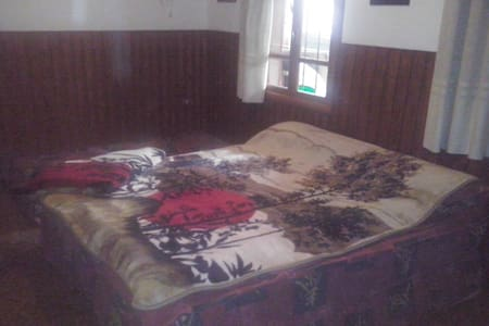 Double, triple room,shared bathroom - Bcharre - Lakás