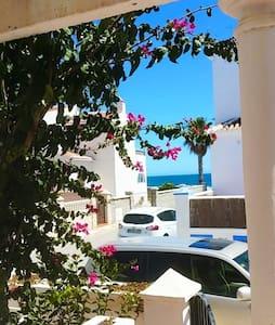 Villa hermosa - Playa - Beachfront - Hus