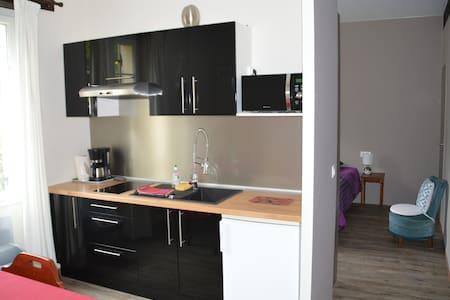 Gîte 2pers équipé avec terrasse - Apartment