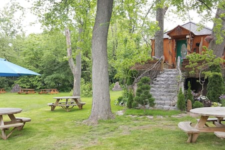 Save the Best for Last - Cabana en un arbre