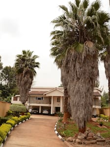 A home away from home:Camellia Guest House, Runda. - Nairobi - Bed & Breakfast
