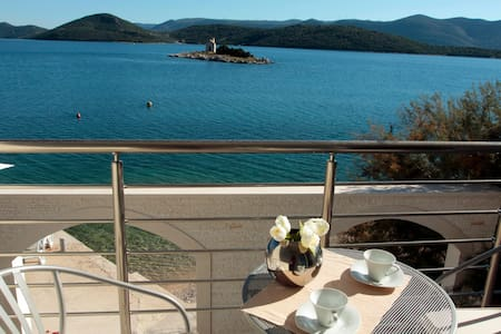 Luxury Apartments Villa Tamaris A5 - Huoneisto