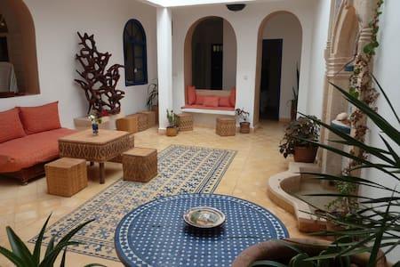 Chambre n°4 au Riad AL JAMIL