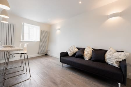 Newly renovated 1 bedroom flat near Notting Hill - London - Apartment