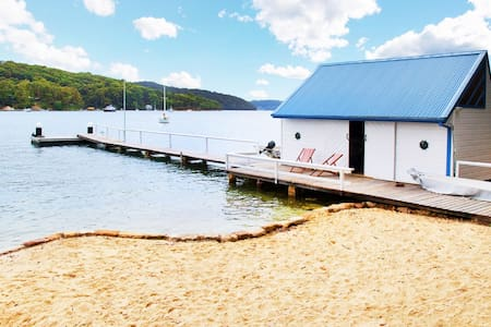 Pittwater Bush Cottage in Sydney - Lovett Bay - Stuga