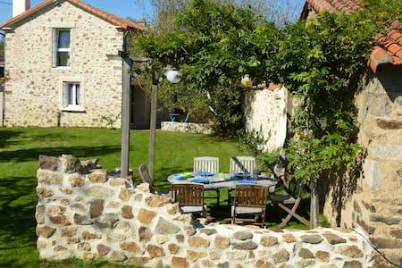 Belle maison à 25 min du Puy du Fou - House
