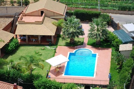 06 Villa with pool and garden - Altavilla Milicia - Villa