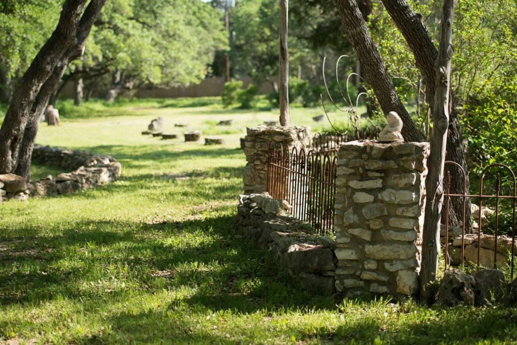 7 BR, 8-Acre South Austin Retreat